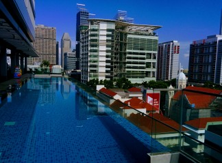 7th floor infinity pool, Mercure Singapore Bugis hotel