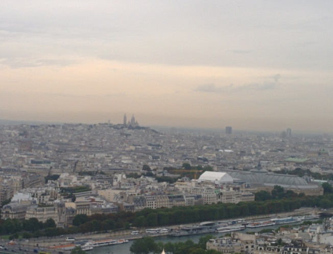 Montmatre's Sacre Coeur in th emist